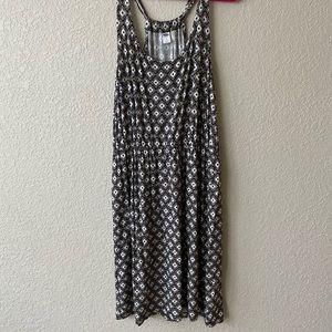 Black and white pattern T-shirt dress